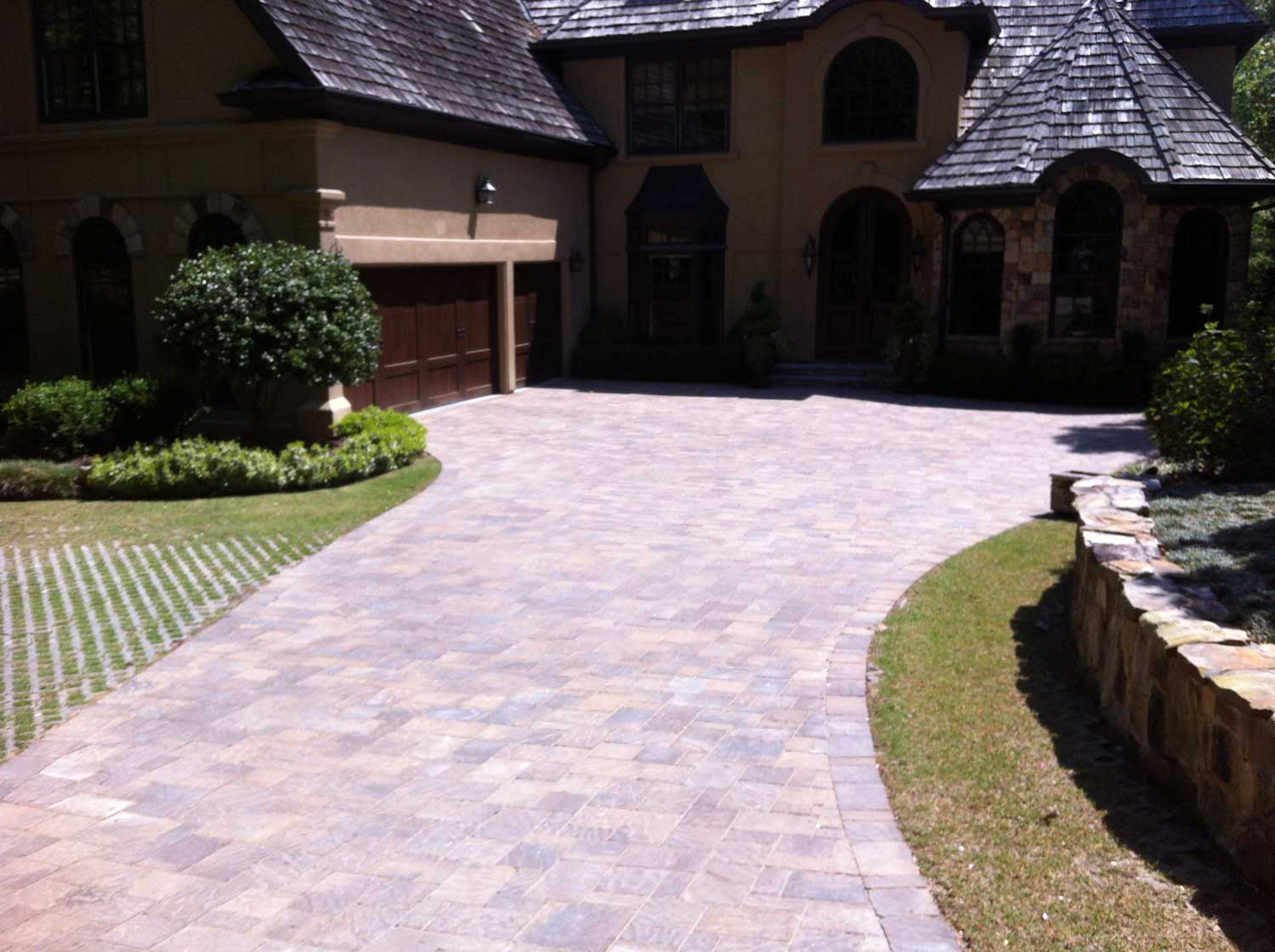 HemmaConcrete_ResidentiallServices_Driveway_3