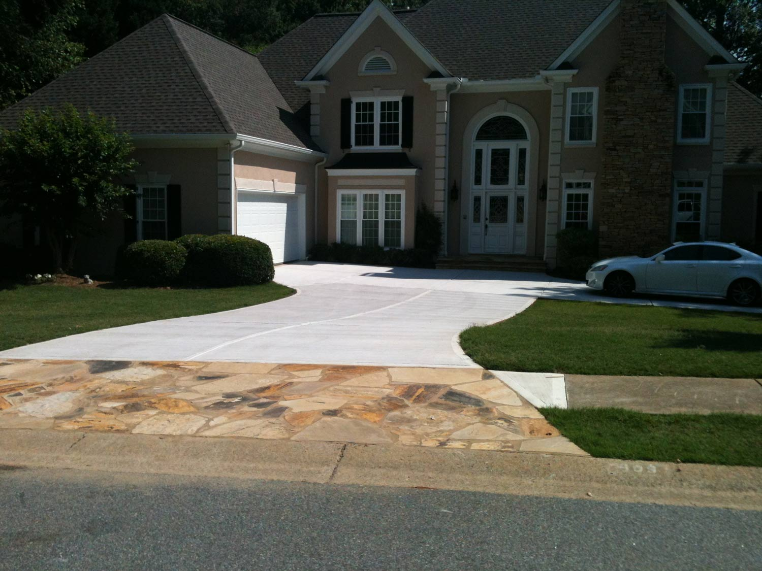 HemmaConcrete_ResidentiallServices_Driveway_6